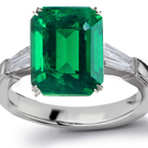 18k White Gold Emerald Anniversary Ring in UK Ring Size R