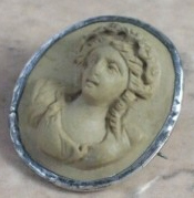 Ancient Cameo Brooch, Masterpiece of Art of Cameo Cutting, Volcanic Lava from Vesuviu Pompeli Carved