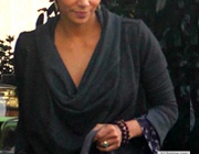 Celebrity News: Halle Berry�s Emerald Ring