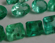 know-everything-about-fine-genuine-emerald-jewelry-emerald-quality-judging-emerald-rings